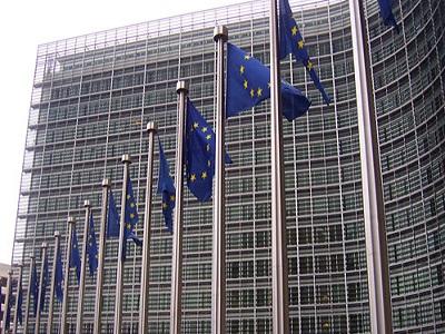 La CE y el Fondo Europeo de Inversiones movilizan 237 millones de euros en préstamos a microempresas
